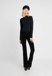 Topshop - FUNNEL 2 PACK - T-shirt à manches longues - black/white - 1