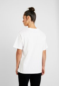 Topshop - NIRVANA - T-shirt imprimé - white - 2