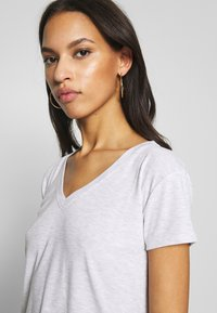 Topshop - Camiseta estampada - grey - 3
