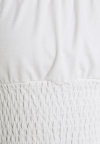 Topshop - SHIRRED WAIST PUFF - Camiseta estampada - white - 2