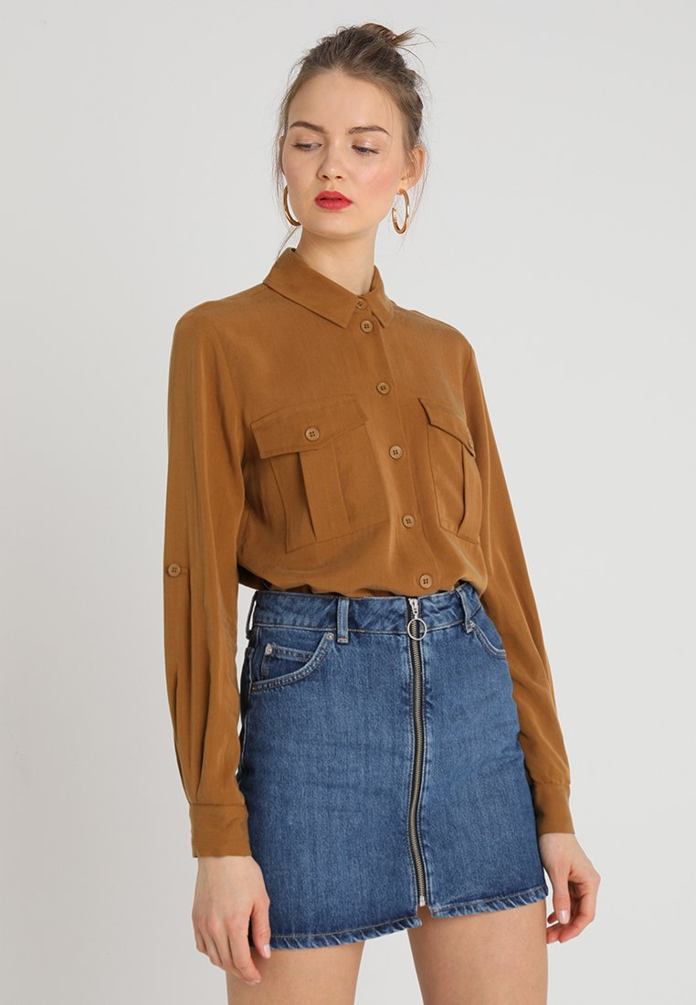 Topshop - UTILITY DOUBLE POCKET - Chemisier - brown