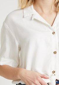 Topshop - DANI KNOT FRONT - Overhemdblouse - ivory - 4
