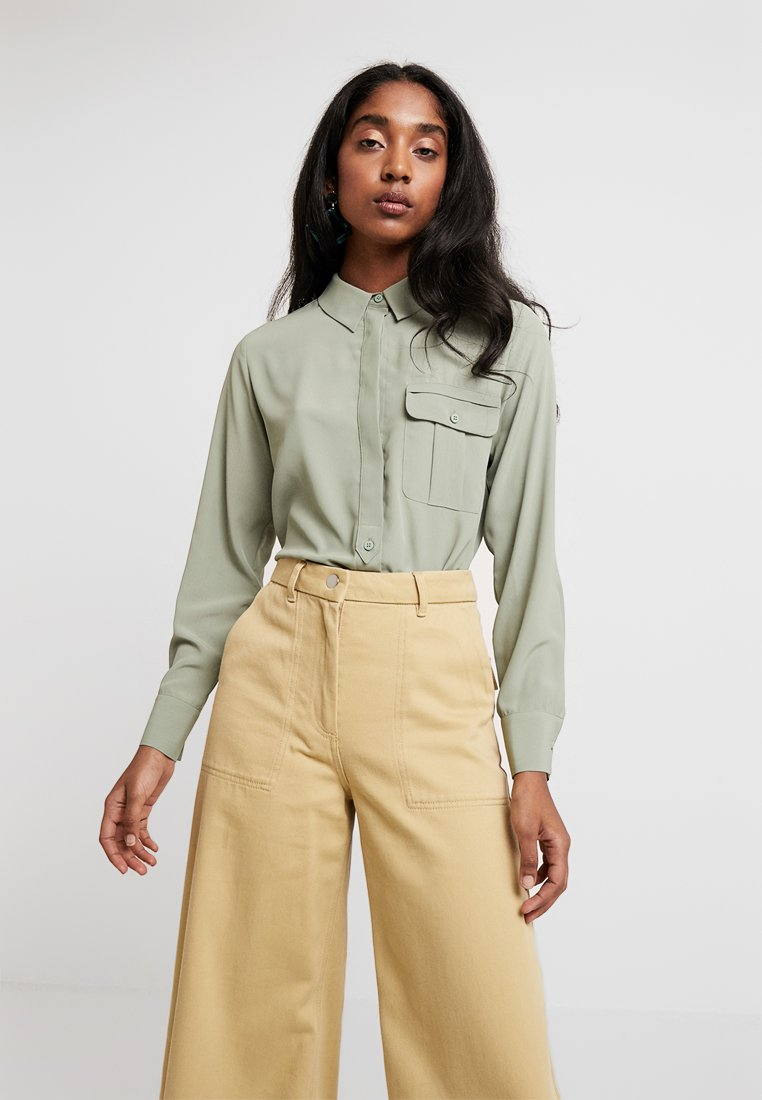 Topshop - ONE POCKET - Button-down blouse - green