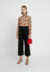 Topshop - GATHERED NECK PRINT BLOUSE - Blůza - multicolor - 1
