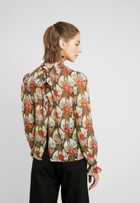 Topshop - GATHERED NECK PRINT BLOUSE - Blůza - multicolor - 2