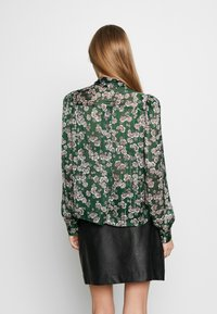 Topshop - ORIENTAL PUSSYBOW - Blouse - green - 2