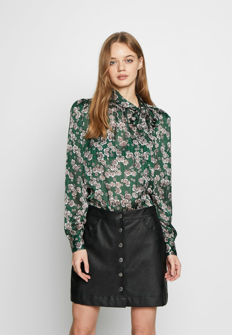 Topshop - ORIENTAL PUSSYBOW - Blouse - green