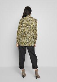 Topshop - SMUDGE - Button-down blouse - khaki - 2