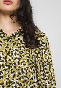 Topshop - SMUDGE - Button-down blouse - khaki - 5