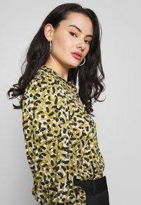 Topshop - SMUDGE - Button-down blouse - khaki - 3