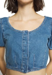 Topshop - STRETCH SELF BUTTON CROP - Camicetta - blue denim - 4