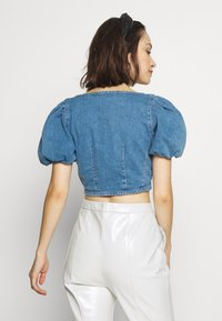 Topshop - STRETCH SELF BUTTON CROP - Camicetta - blue denim - 2