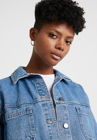 Topshop - SHACKET - Denim jacket - blue denim - 4