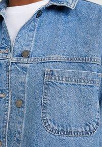 Topshop - SHACKET - Denim jacket - blue denim - 6