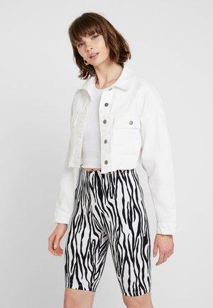 POCKET HACK - Veste en jean - white