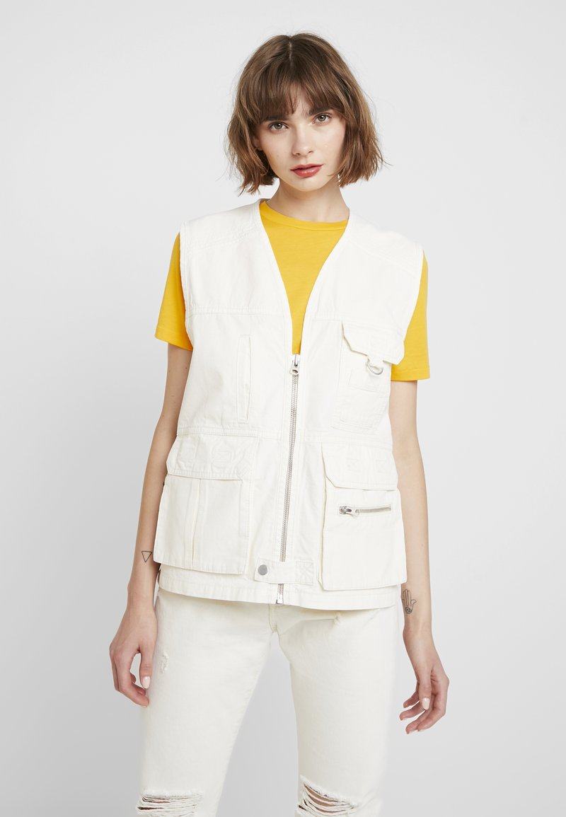 Topshop - SLEEVELESS FISHERMAN - Kamizelka - white