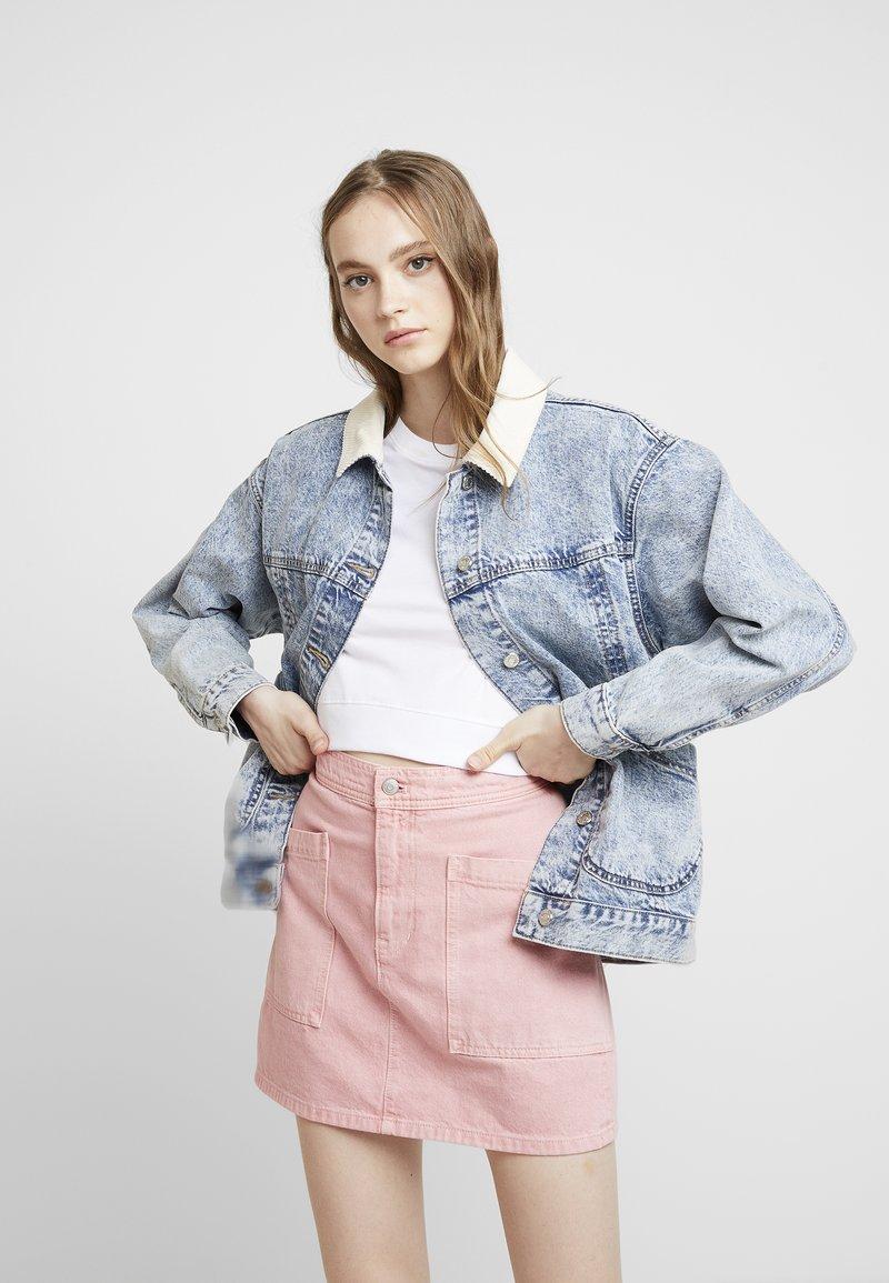 Topshop - ACID COLLAR SHACKET - Denim jacket - bleach