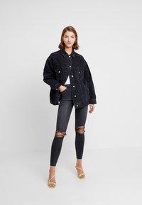 Topshop - DAD - Veste en jean - black denim - 1
