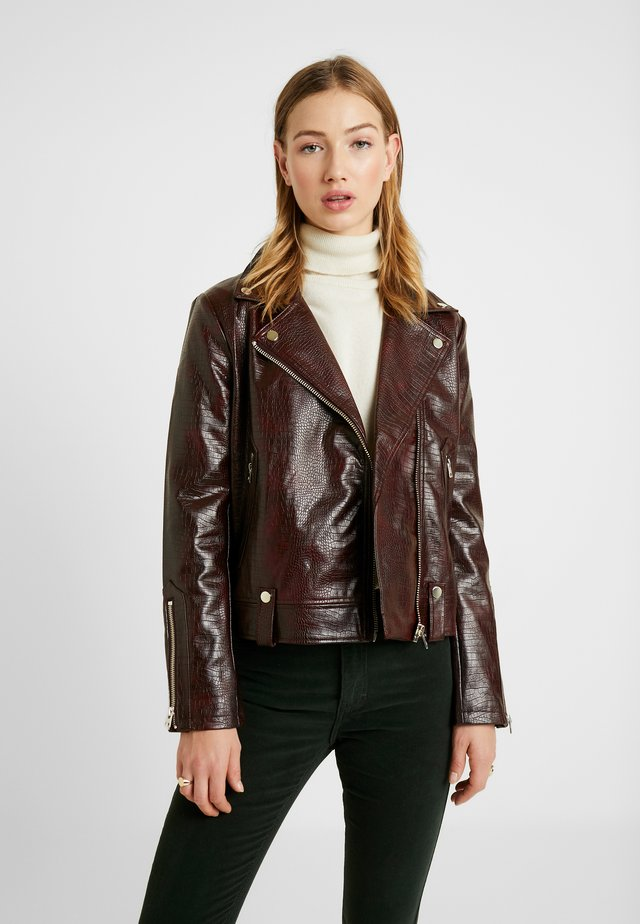 CROC BIKER - Giacca in similpelle - burgundy