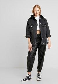 Topshop - BORG LINED DAD - Denim jacket - black - 1
