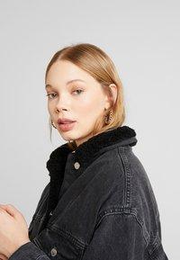 Topshop - BORG LINED DAD - Denim jacket - black - 3