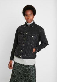 Topshop - SEAM WESTERN - Veste en jean - black denim - 0