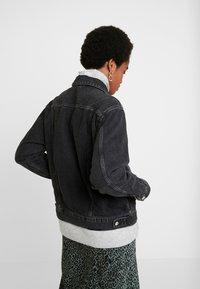 Topshop - SEAM WESTERN - Veste en jean - black denim - 2