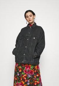 Topshop - DAD - Denim jacket - black denim - 0