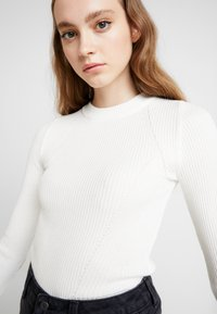 Topshop - BASIC DETAIL CREW - Pullover - ivory - 4