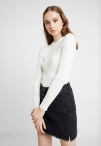Topshop - BASIC DETAIL CREW - Pullover - ivory - 0