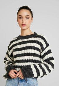 Topshop - CREW - Stickad tröja - grey - 3