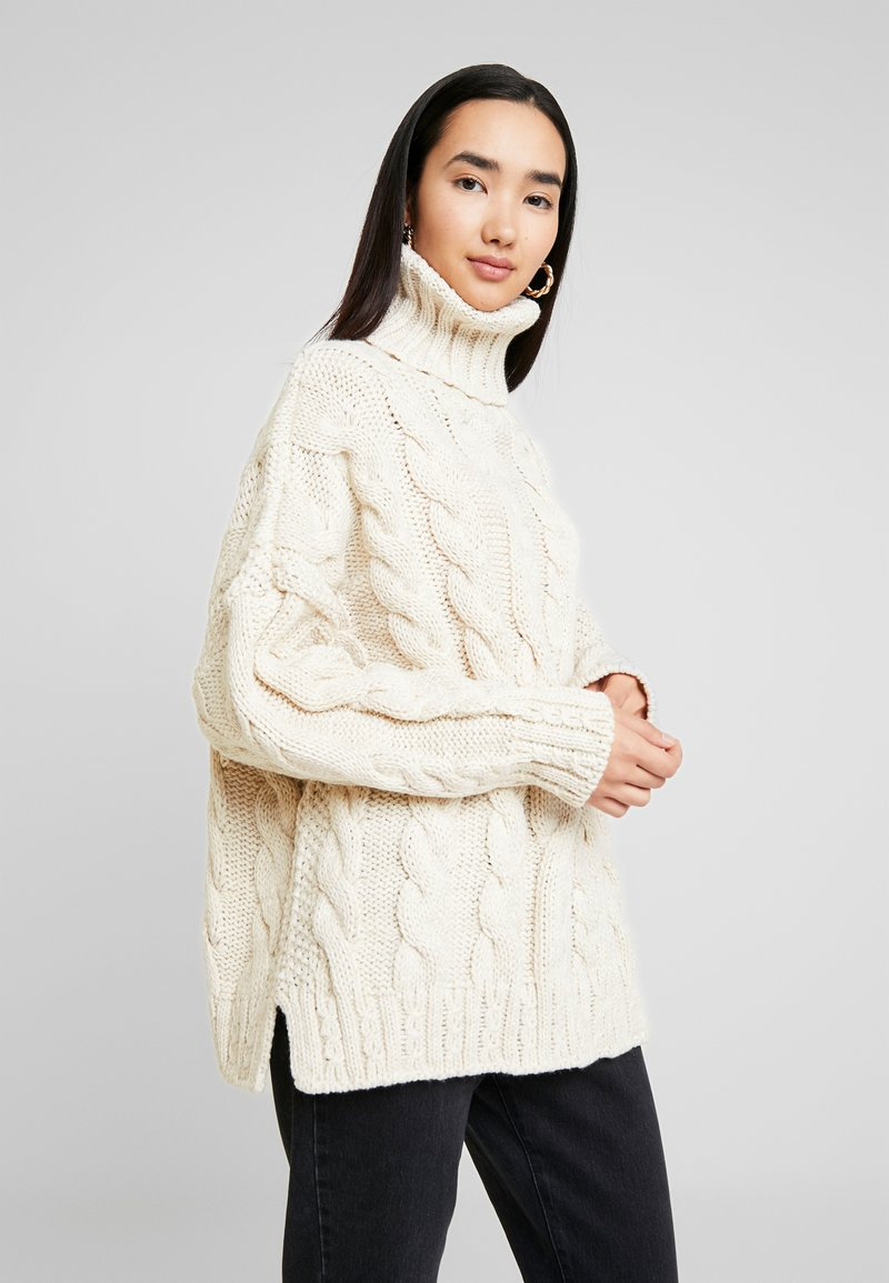 Topshop - CHUNKY CABLE ROLL - Jersey de punto - oat