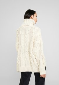 Topshop - CHUNKY CABLE ROLL - Strickpullover - oat - 2