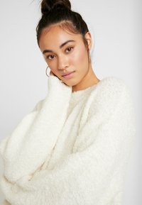 Topshop - BOUCLE - Maglione - oat - 4