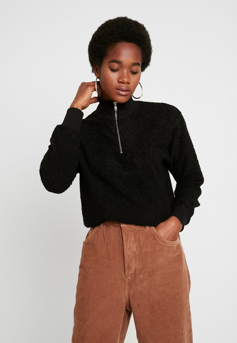Topshop - CURLY ZIP UP FUNNEL - Stickad tröja - black