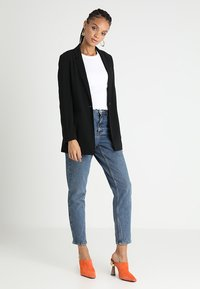 Topshop - MOM NEW - Jeansy Relaxed Fit - mid denim - 2