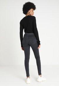 Topshop - JONI - Jeans Skinny Fit - washed black - 2