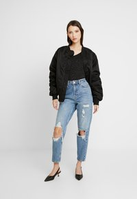 Topshop - DESTROY MOM - Jeans Relaxed Fit - bleached denin - 1