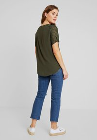 Topshop - Relaxed fit jeans - blue denim - 2