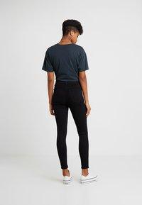 Topshop - JAMIE NEW - Skinny džíny - black - 2