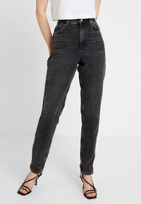 Topshop - MOM NEW - Jeans baggy - wash black - 0