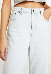 Topshop - BALLOON - Relaxed fit jeans - bleached denim - 3