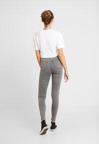 Topshop - JONI - Jeans Skinny Fit - grey - 2