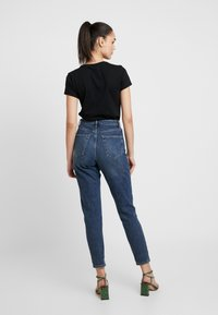 Topshop - MOM - Jeansy Relaxed Fit - rich - 2
