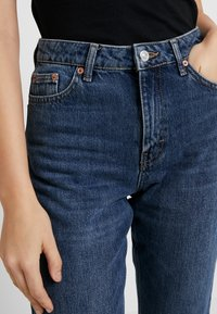 Topshop - MOM - Jeansy Relaxed Fit - rich - 3