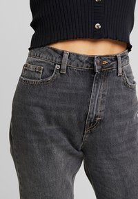 Topshop - MOM - Relaxed fit jeans - washed black - 3