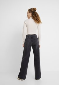 Topshop - WIDE - Straight leg jeans - washed black