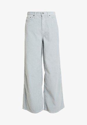WIDE - Spodnie materiałowe - blue
