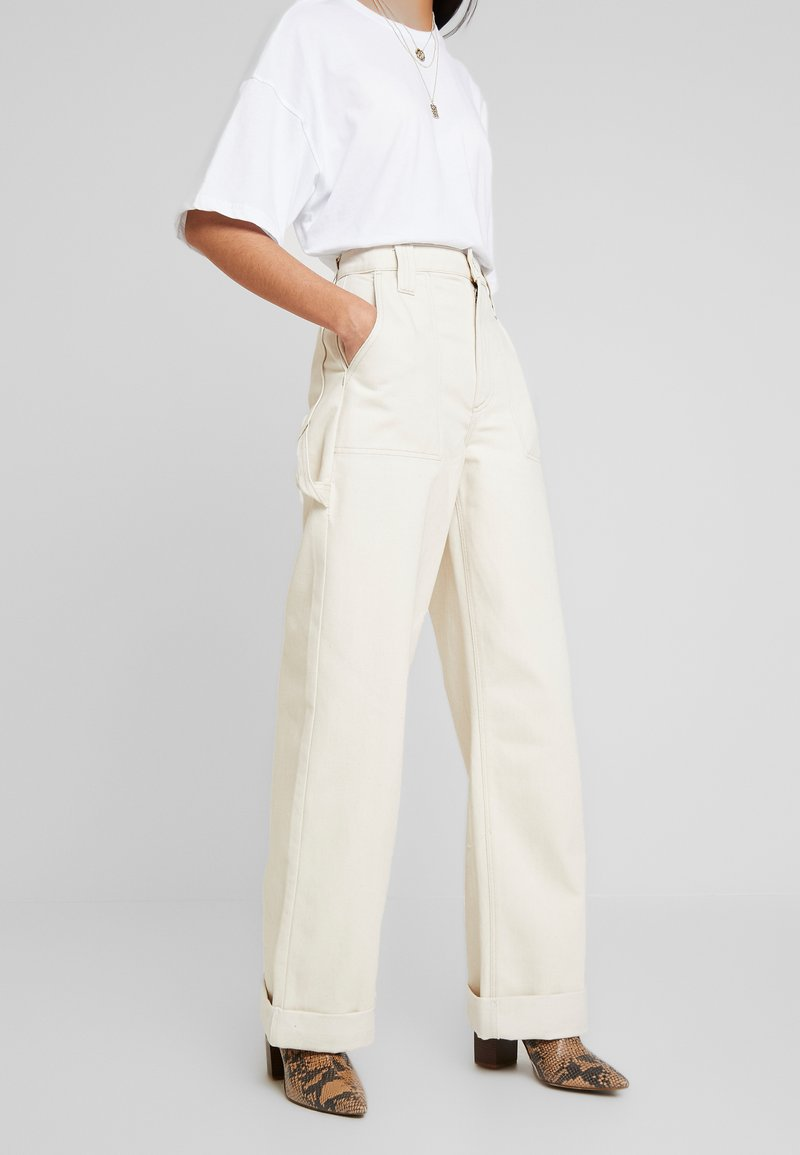 Topshop - UTIL TURNH WIDE - Relaxed fit jeans - ecru
