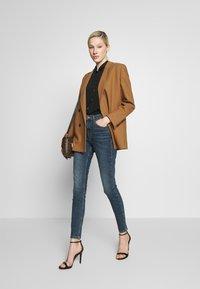 Topshop - DIRTY JAMIE - Jeans Skinny Fit - dirty blue - 1